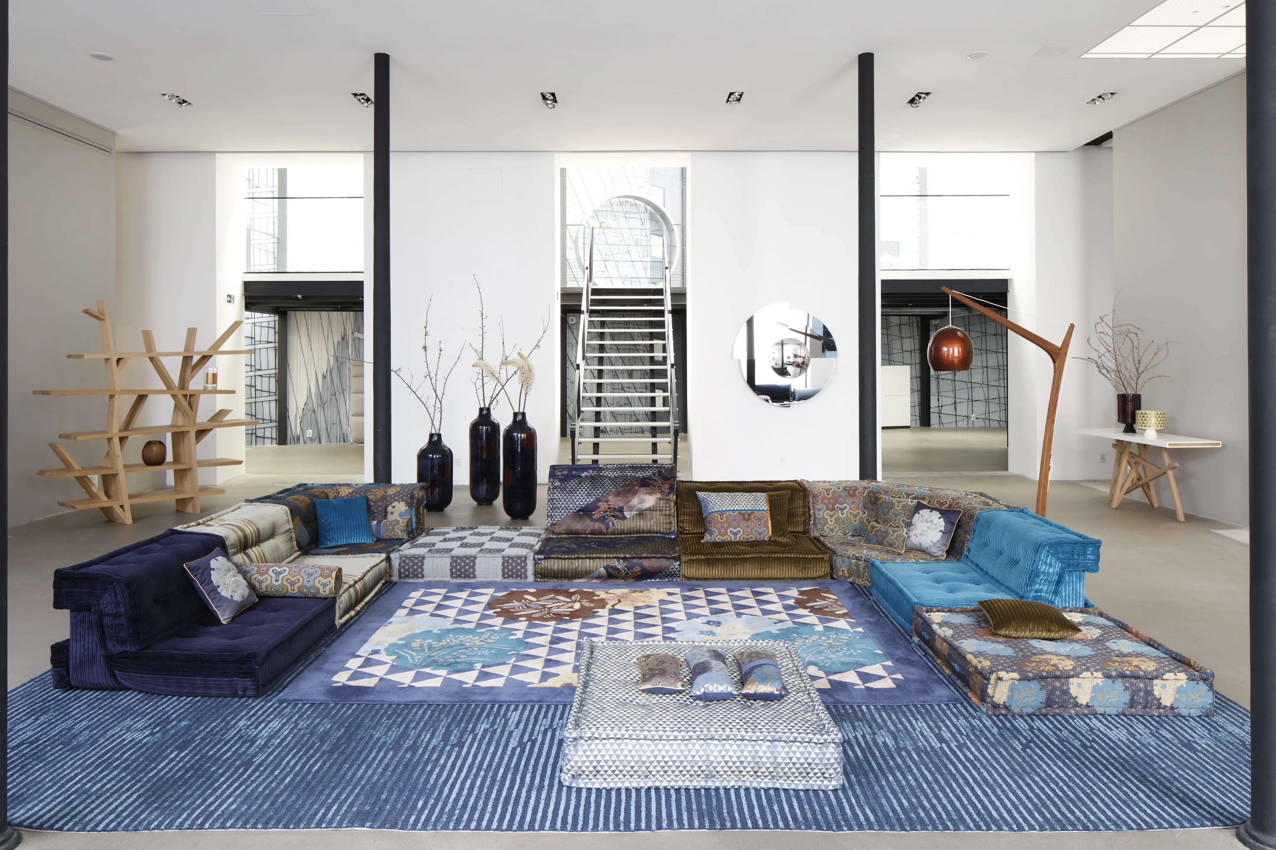 Showroom Canapé Paris Kenzo Takada Reimagines An Iconic Roche Bobois Sofa