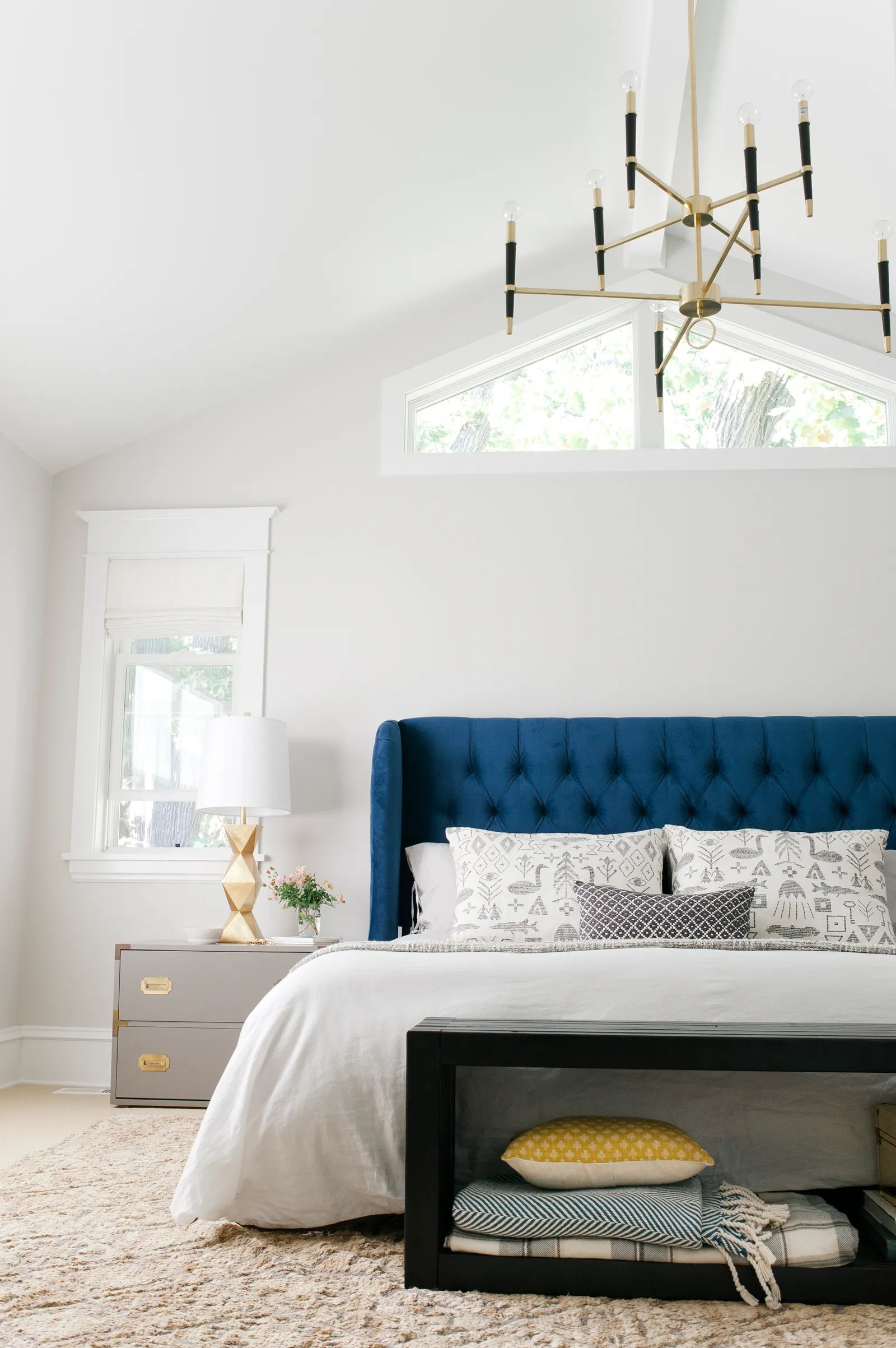 Settee End Of Bed How To Choose A Bedroom Bench Architectural Digest