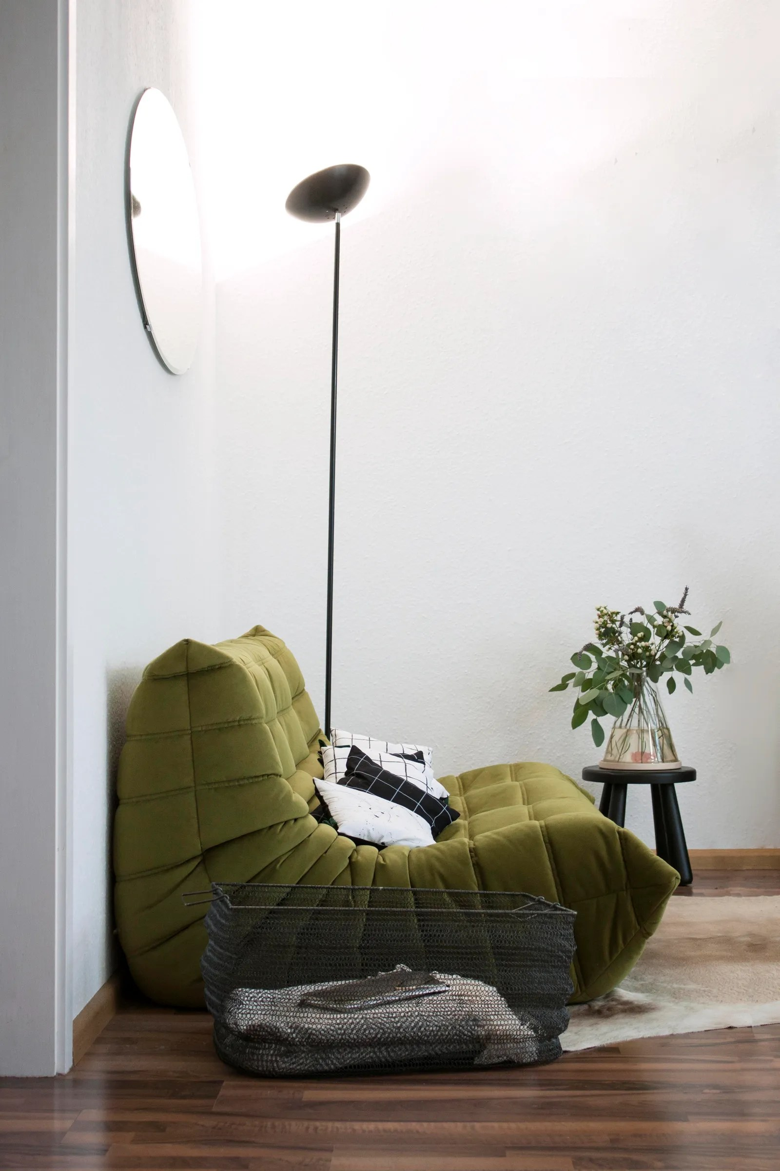 Ligne Roset Freiburg How Zwei Design Made A Cozy Clutter Free Home In 481 Square Feet