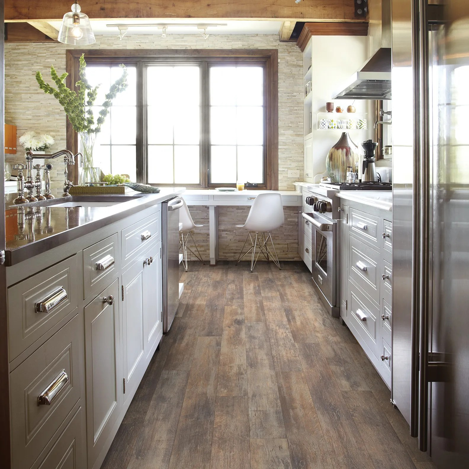 How To Clean Laminate Floors 11 Do S And Don Ts Architectural Digest