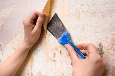 How To Remove Wallpaper Glue in 5 Simple Steps | Architectural Digest