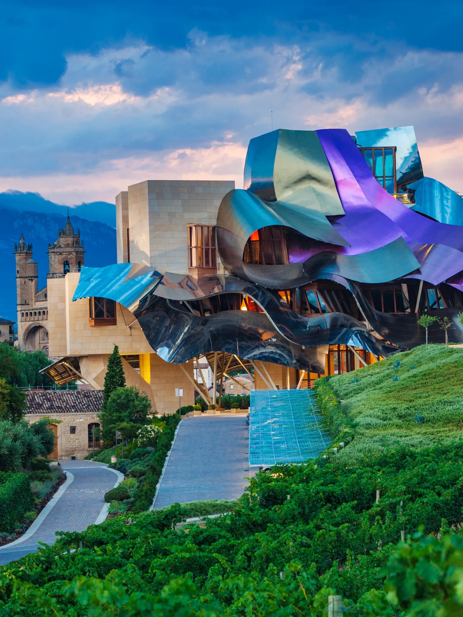 Architectural Design Of Residential Building Frank Gehry Buildings And Architecture Architectural Digest