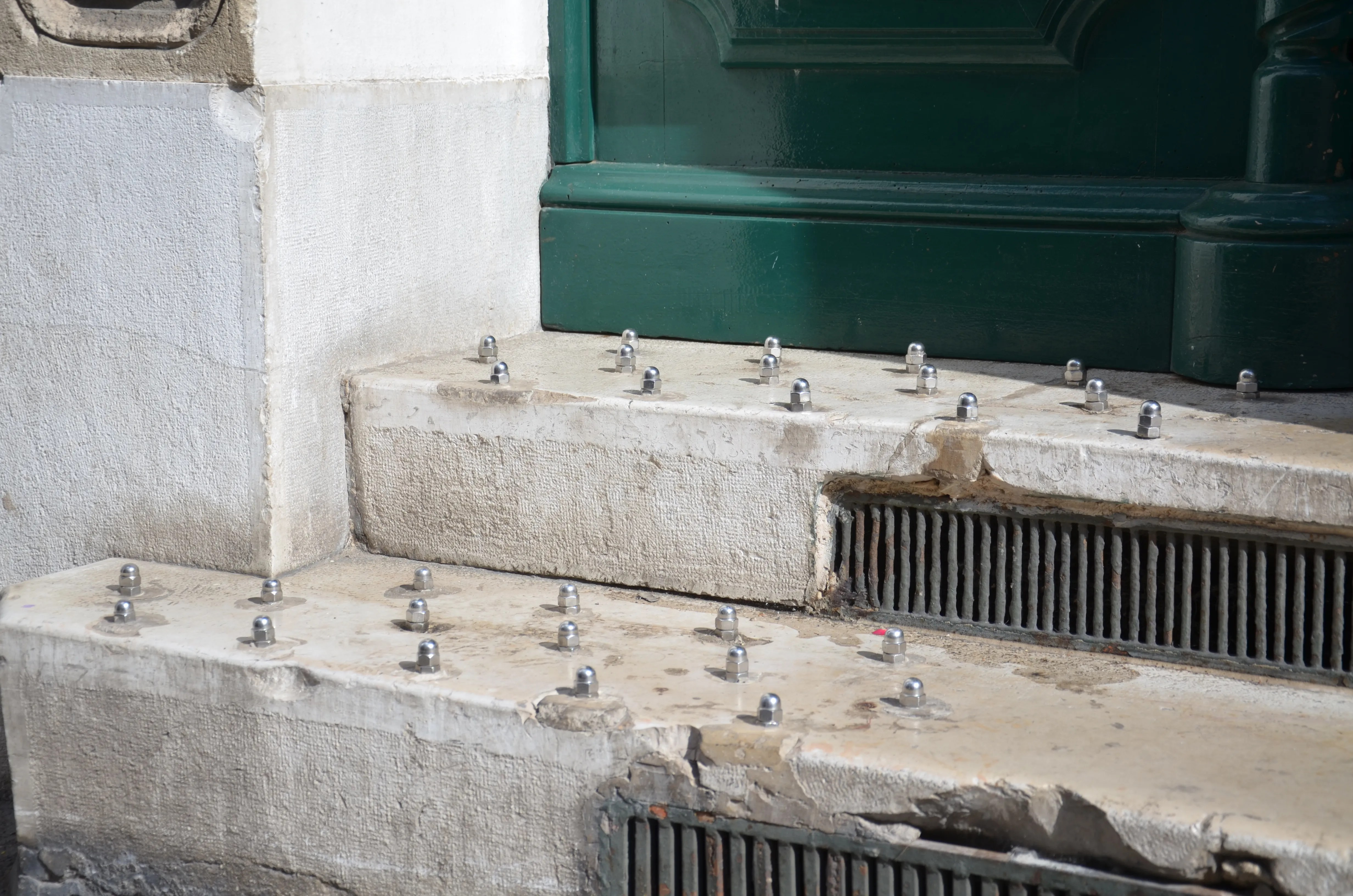 Mobilier Urbain Anti Squat What's Behind The Uptick In Hostile Architecture