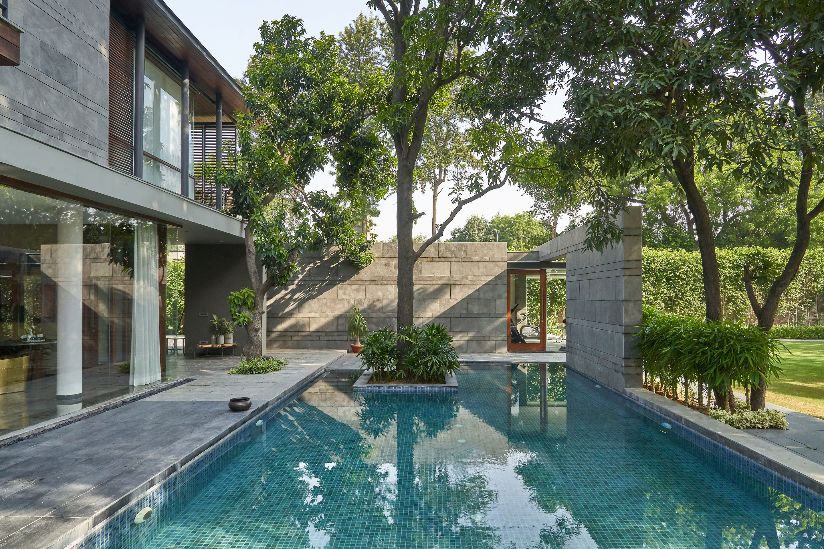 Farmhouse Near Bangalore Delhi This Chhatarpur Farmhouse Nestles Snugly Among Mango Trees