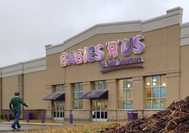 Toys R Us To Close 2 Arkansas Stores Including Baby