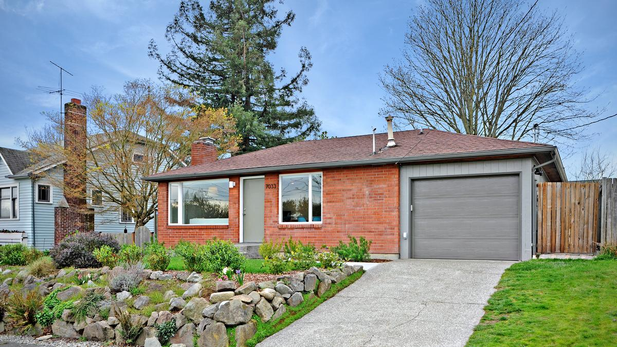 Hot Houses For Sale In The Puget Sound Region More Houses For Sale Doesn T Mean Lower