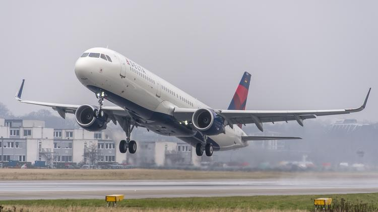 Delta\u0027s first stretched-out Airbus A321 jet debuts in Minneapolis