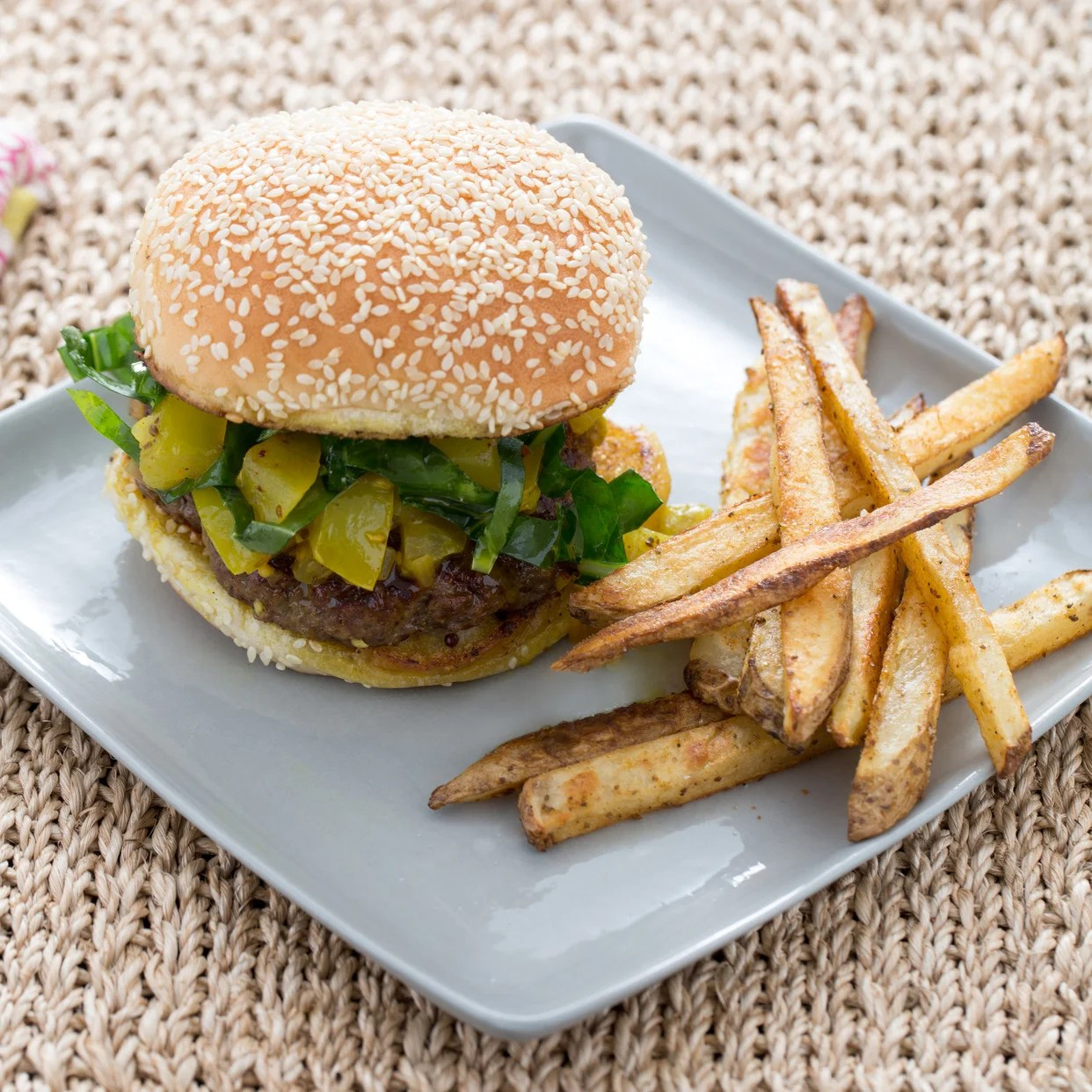 Sophisticated Burgers Green Tomato Chow Chow Bay Oven Fries Burgers Green Tomato Chow Chow Bay Chow Chow Food Delivery Chow Chow Food Chart bark post Chow Chow Food