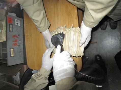 """PRAHPN - vacuuming """"Detective Files"""""""