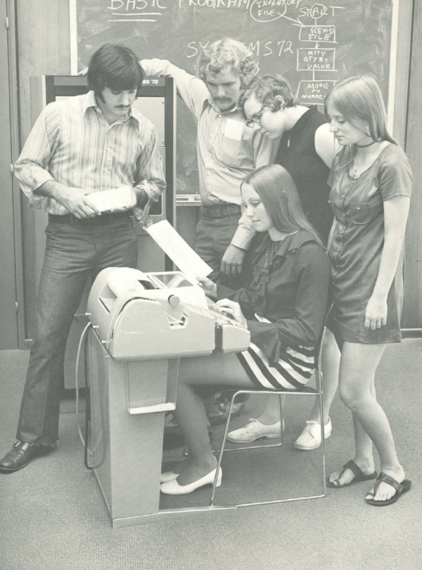 Vintage Photos of Mini-skirts Behind Computers (4)