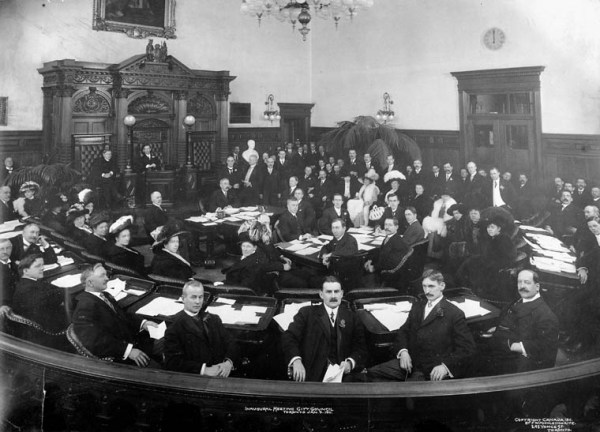 Inaugural_meeting_city_council,_Toronto,_9th_January_1911