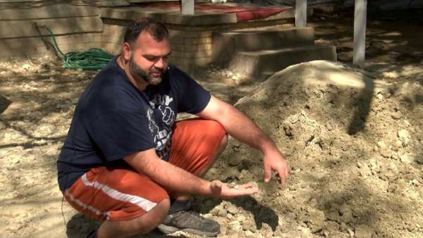 Texas-Man-Says-Fossils-From-Noahs-Flood-Are-Found-In-His-Yard