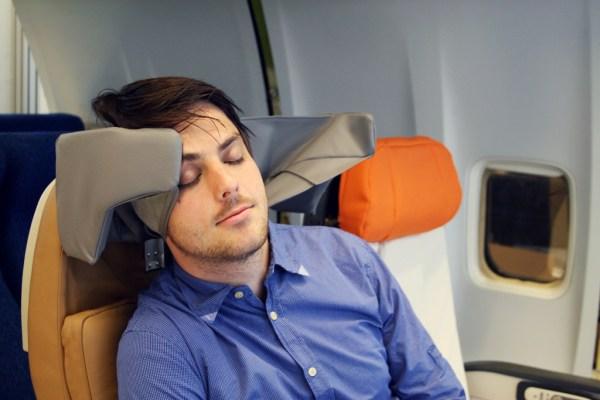 flight-pillow-1024x683