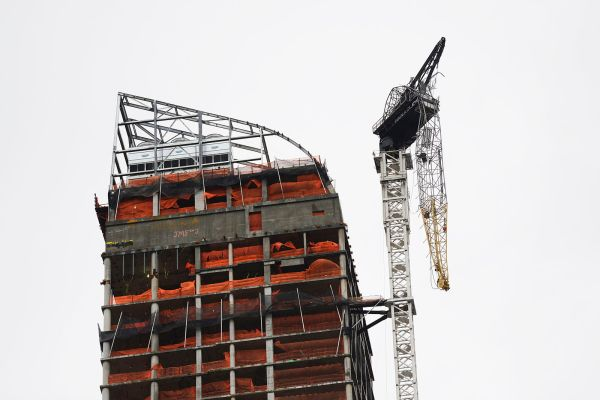 one57_crane_collapse