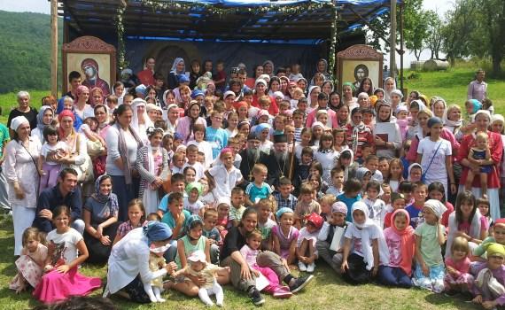Sabor Mušvete 2014 Vladika i deca