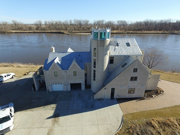 Missouri River Waterfront Property Minutes From Omaha