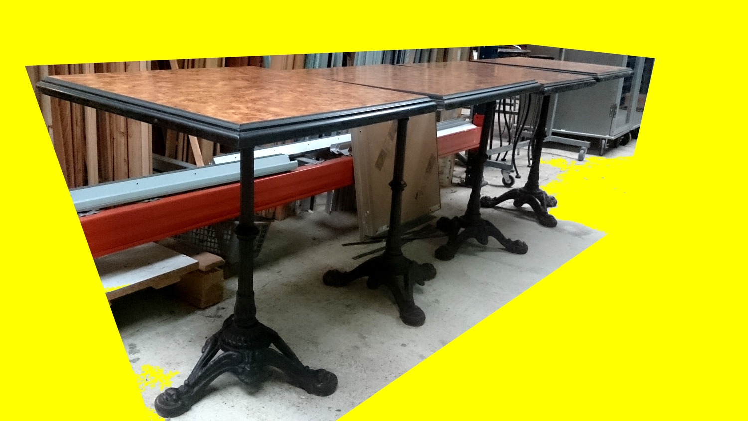 Table Bistrot Carre Beautiful Table Ronde Bistrot 6 Lot De 4 Tables Bistrot