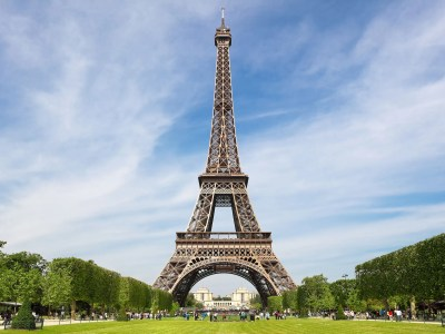 There Is a Secret Apartment at the Top of the Eiffel Tower