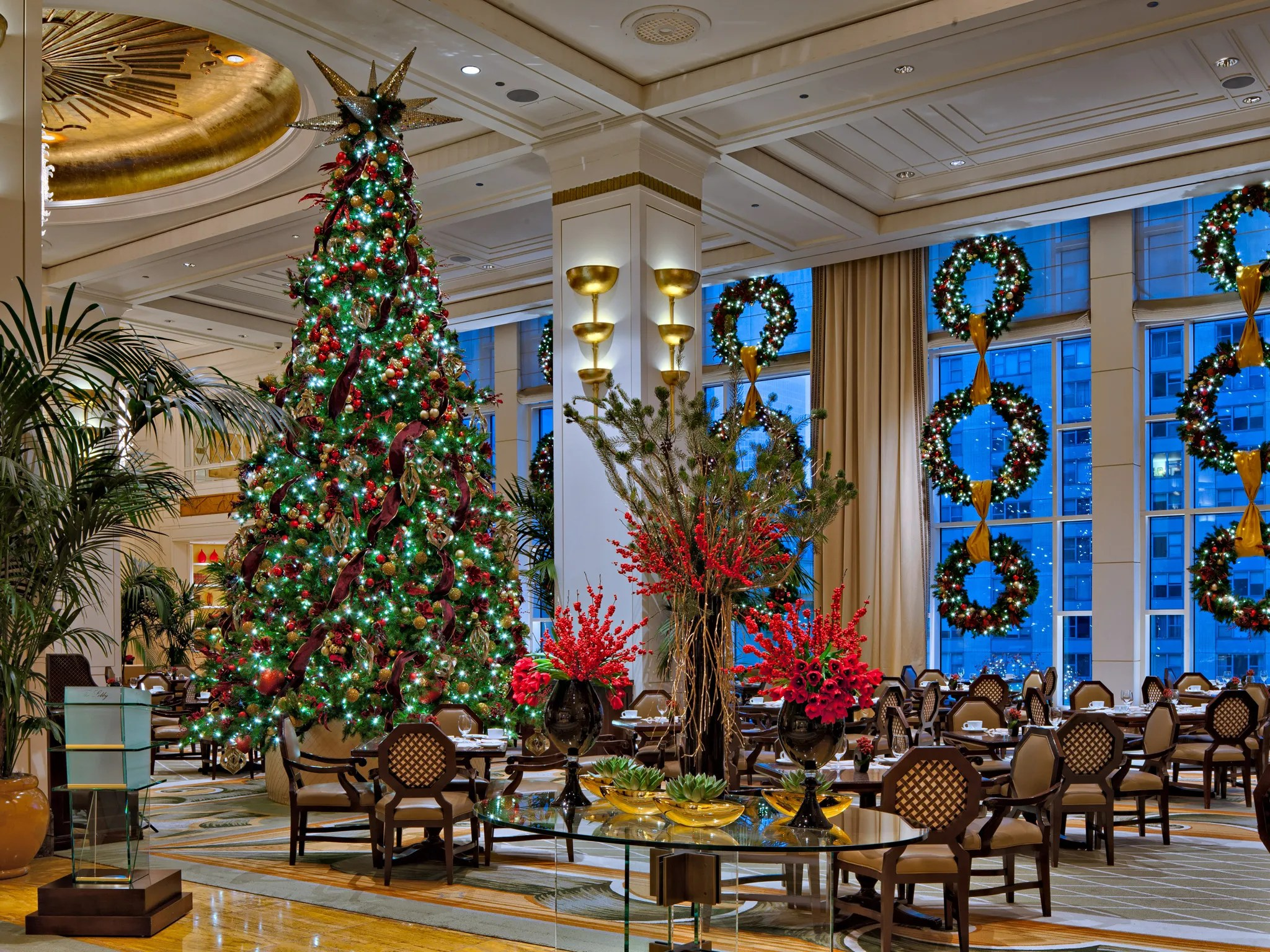 Decoration Hotel The 12 Best Hotel Christmas Trees Condé Nast Traveler