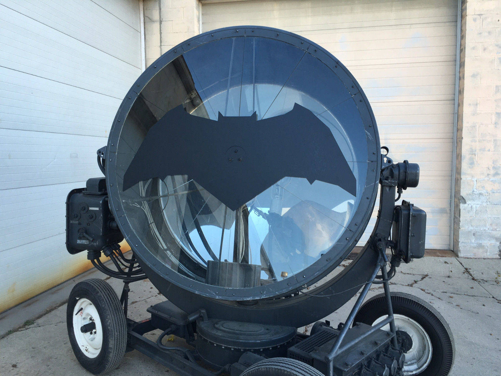 Lampada Batman Batman V Superman 39s Bat Signal Is For Sale On Ebay