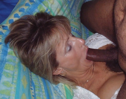 sexy white women sucking bbc
