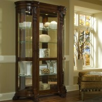 Pulaski Foxcroft Curved End Curio Cabinet - 102003