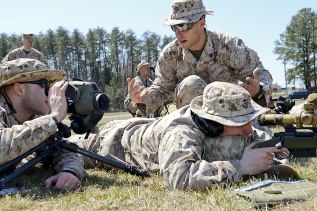 Reservists come aboard the base for sniper training \u003e Marine Corps