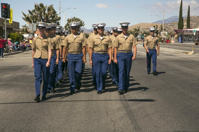 Marines, sailors participate in Grubstake Days Parade \u003e Marine Corps