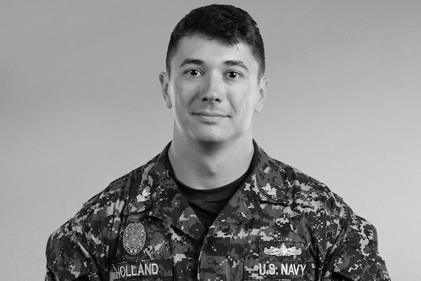 Face of Defense Sailor Qualifies as Air Force Security Services - us navy master at arms