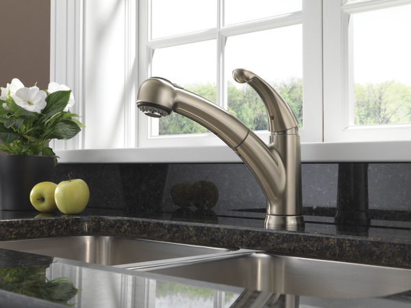Single Handle Pull Out Kitchen Faucet 467 Ss Dst Delta