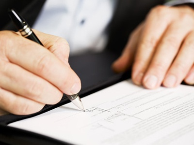 What the New Dentist Should Know About Employment Contracts - dentist employment agreement