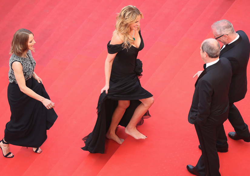 No Shoes No Problem Julia Roberts Goes Barefoot On