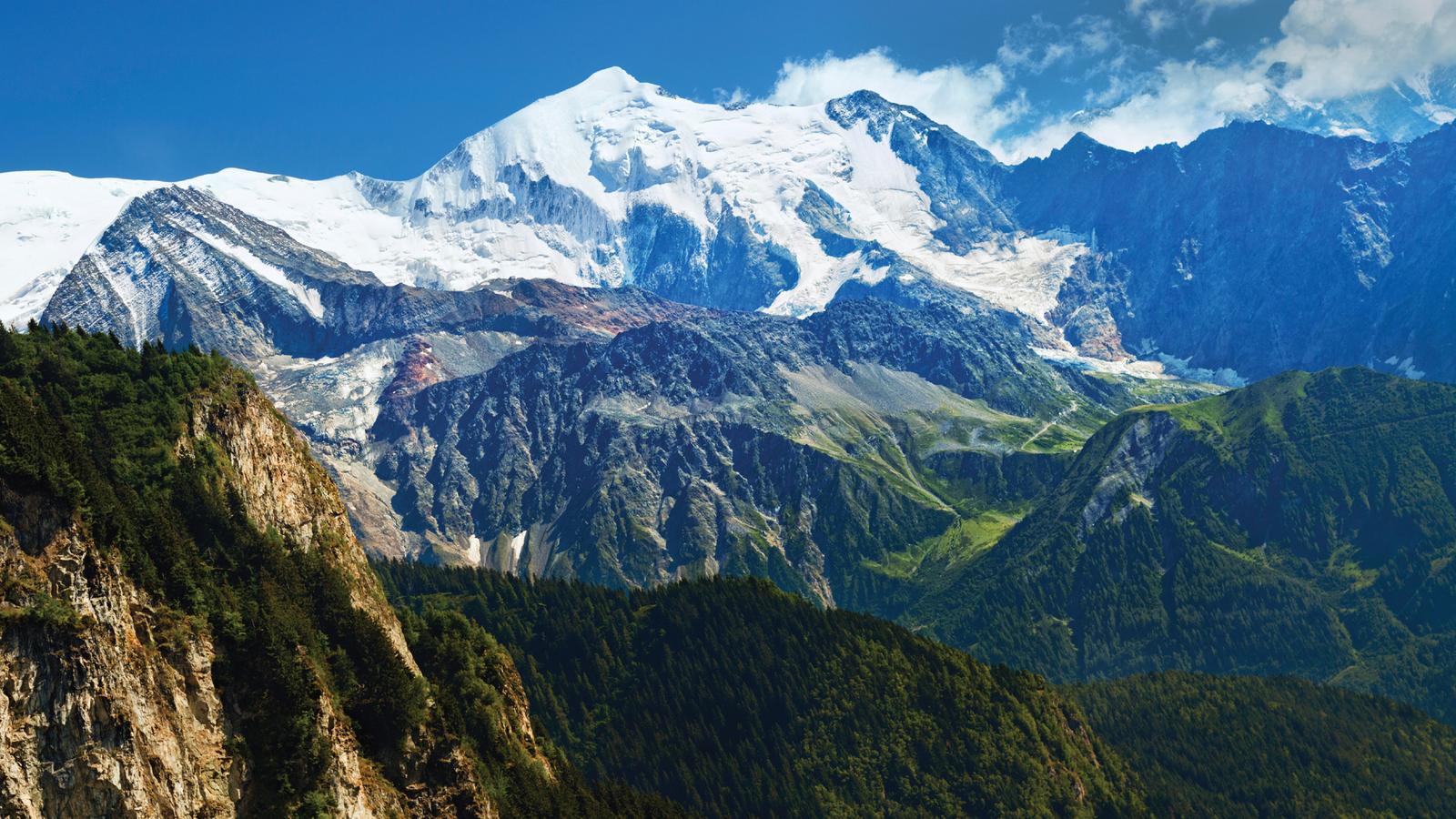 Paragliding Wallpaper Hd Mont Blanc Explorer In France Europe G Adventures