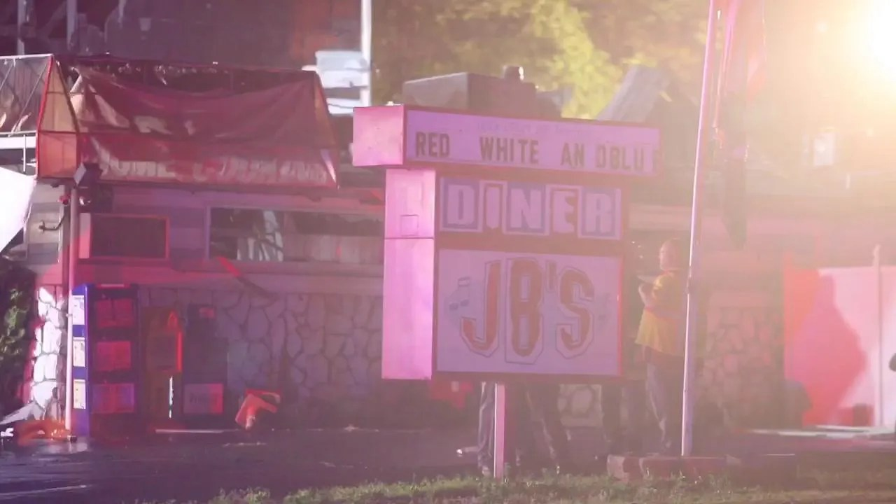 Jb's Holiday Lighting Watch Waitress Describes Fire At Jb S Diner In Freehold Twp
