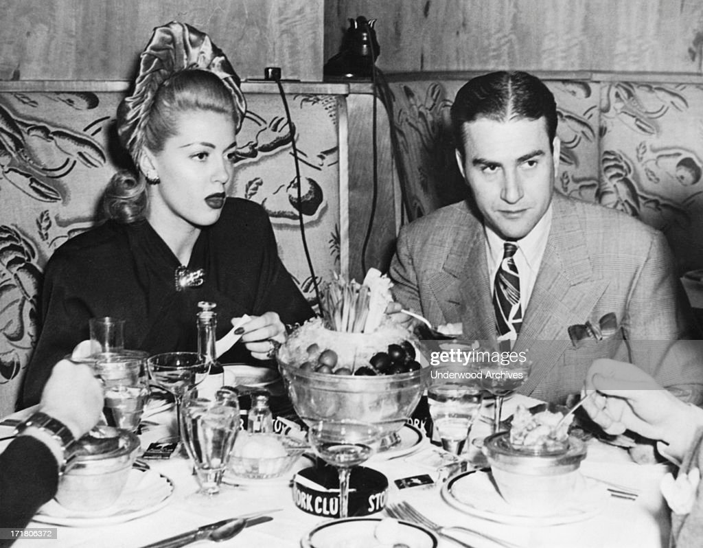 Artie Shaw Marriages Actress Lana Turner And Orchestra Leader Artie Shaw Having Dinner