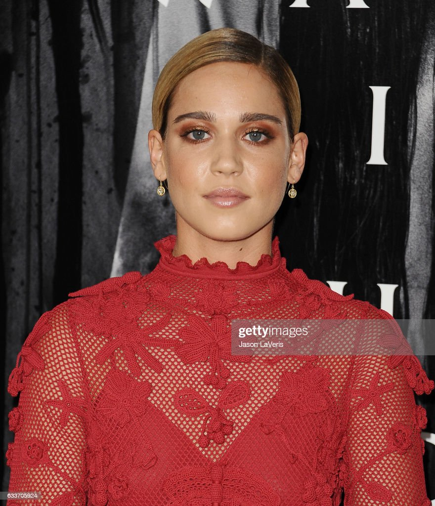 Glasregal Lutz Actress Matilda Lutz Attends A Screening Of Rings At Regal La