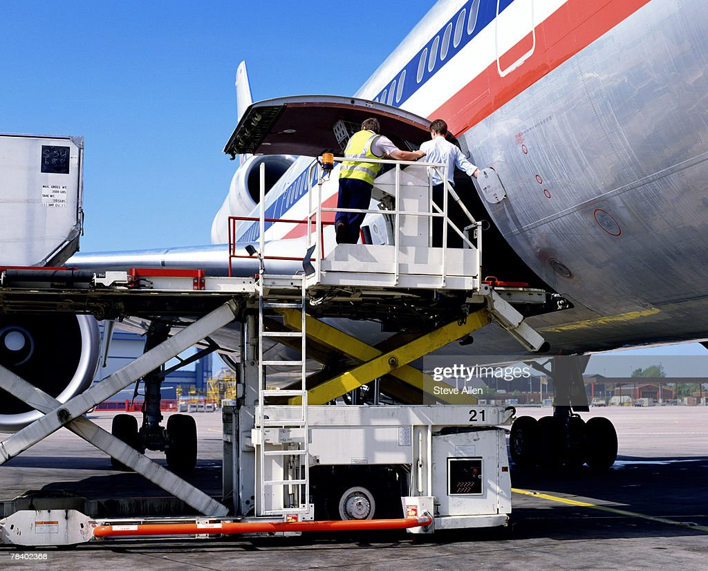 Airplane Maintenance Airplane Maintenance Workers Stock Photo Getty Images