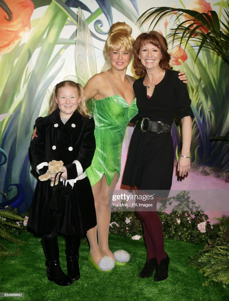 Bibi Roter Teppich Bonnie Langford And Her Daughter Bibi Aged 8 At The Uk Premiere