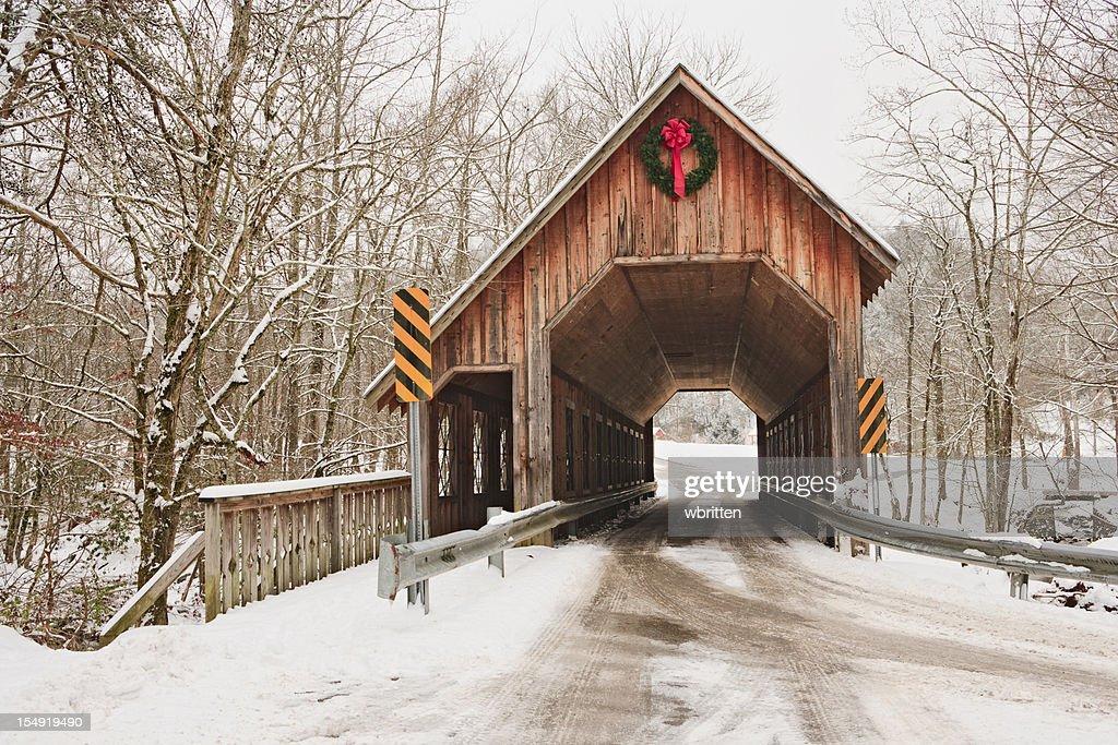 New England Fall Wallpaper Free 屋根付き橋 ストックフォトと画像 Getty Images
