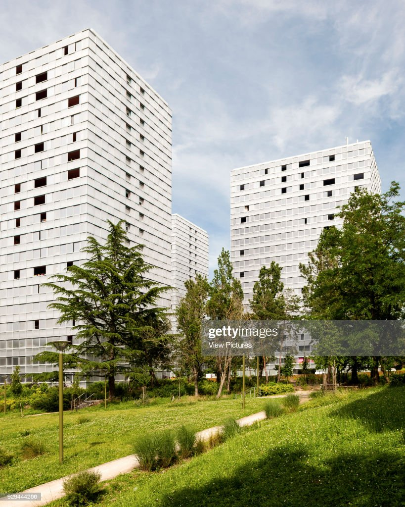 Architecte Bordeaux Rénovation Elevation View Of Three Towers And Surrounding Gardens Urban