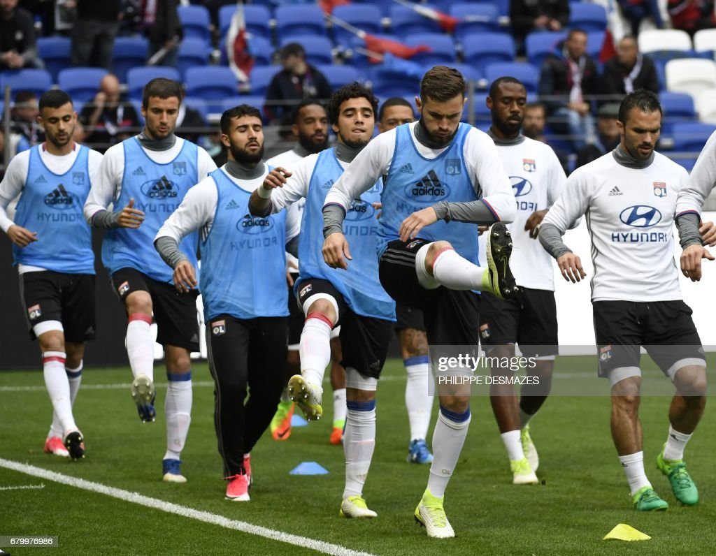 Lyon Nantes Lyon S Players Warm Up Before The French L1 Football Match
