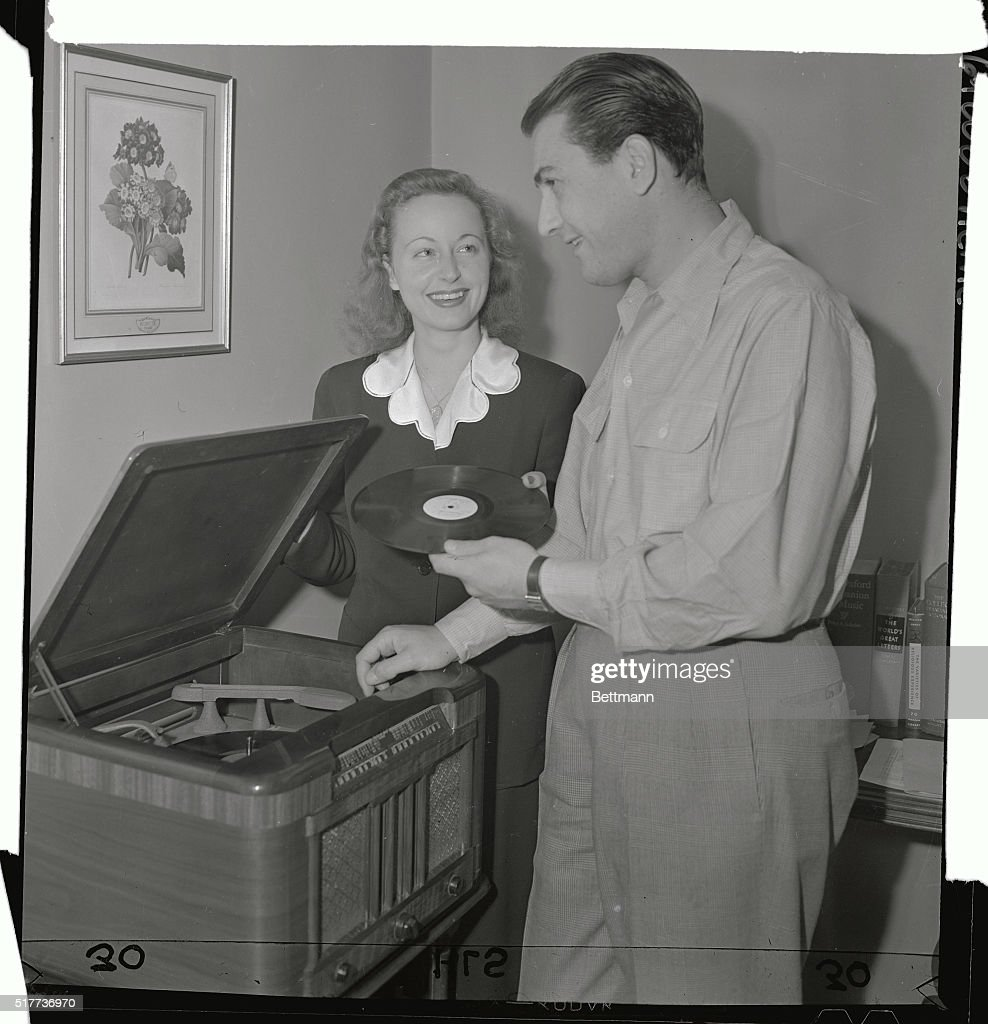Artie Shaw Marriages Orchestra Leader Artie Shaw And His Bride The Former Betty Kern