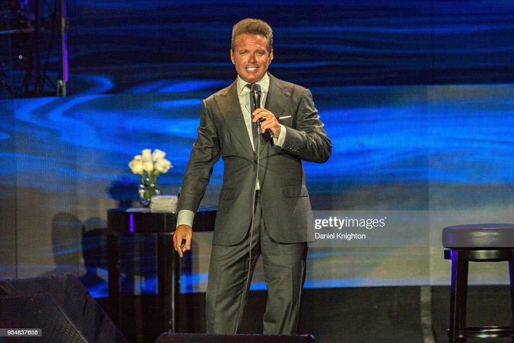 Luis Miguel Performs At Mattress Firm Amphitheatre