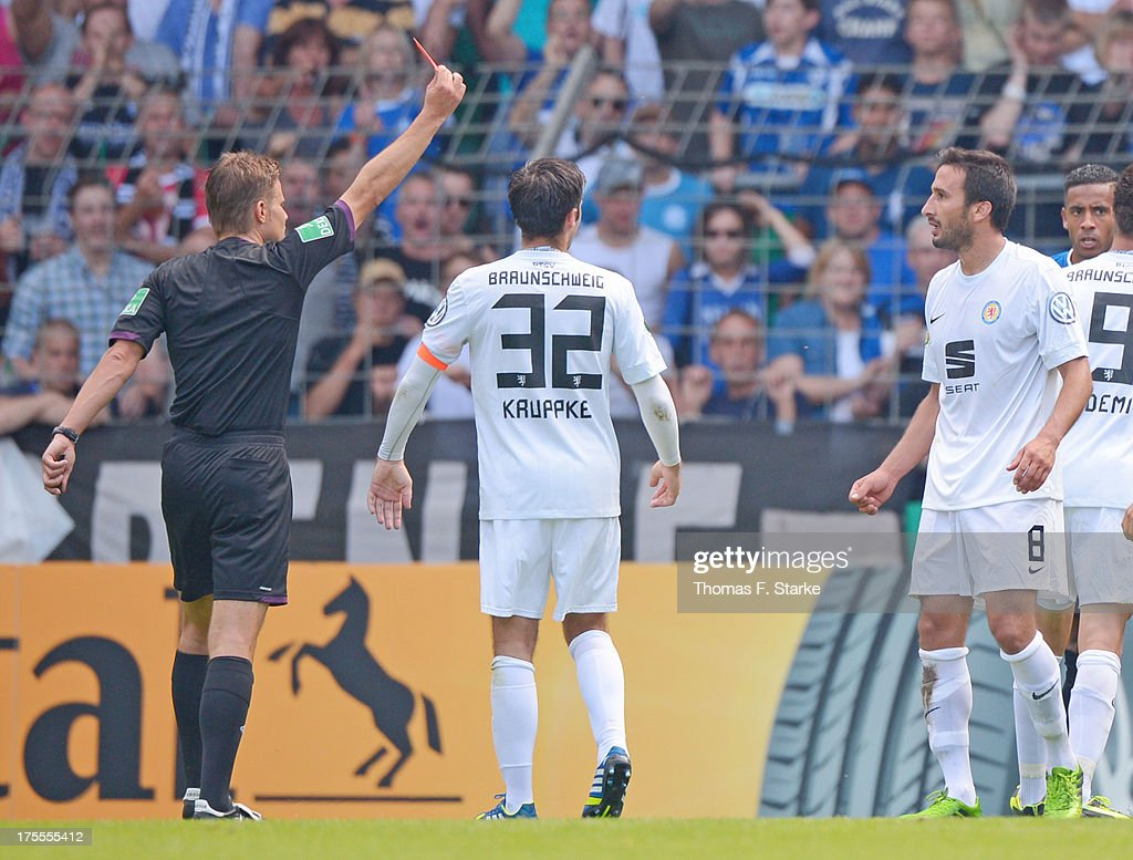 Bielefeld Braunschweig Referee Felix Brych Shows The Red Card To Deniz Dogan Of