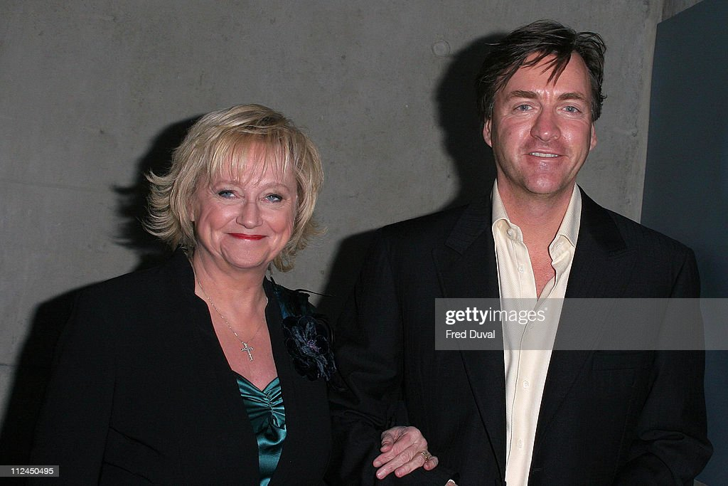 Judy Finnigan Photos et images de collection | Getty Images