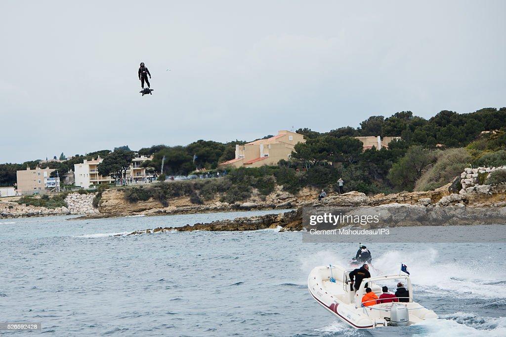 Hoverboard Foto e immagini stock   Getty Images