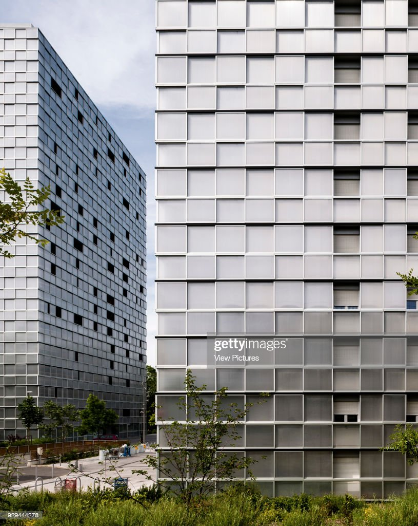 Architecte Bordeaux Rénovation View Of Two Towers With Garden And Metal Sheet Cladding Urban