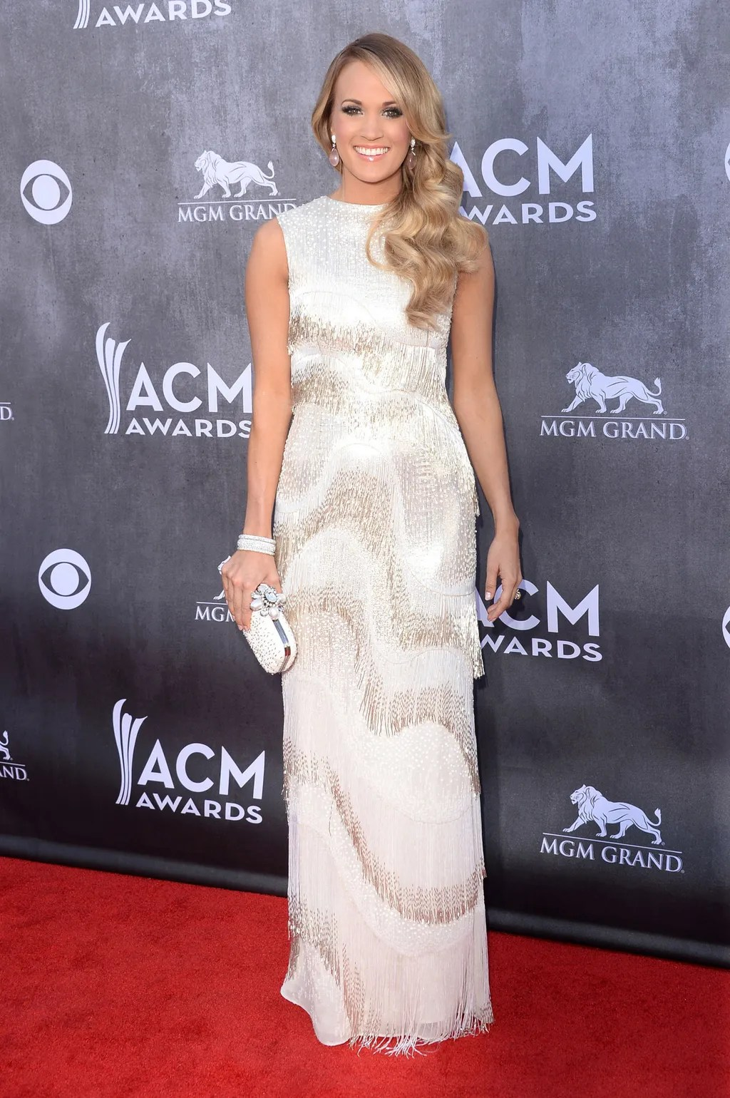 Acm Awards Red Carpet Best Dressed Taylor Swift Carried
