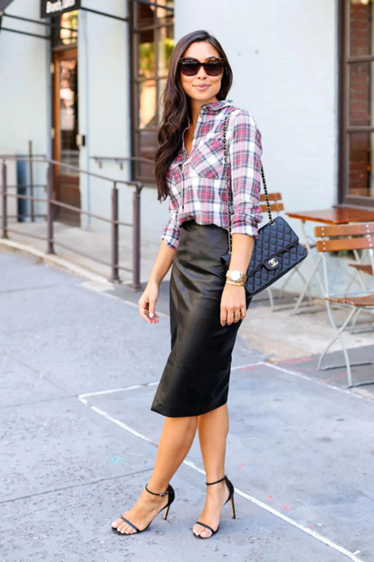 sexy pencil leather skirt outfit