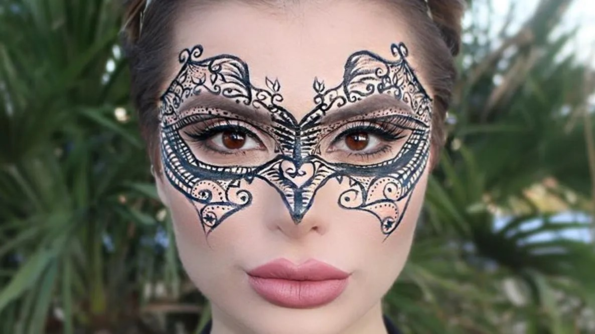 Schminkvorlage Zebra 5 Easy Halloween Makeup Ideas You Can Do With Only Eyeliner Glamour